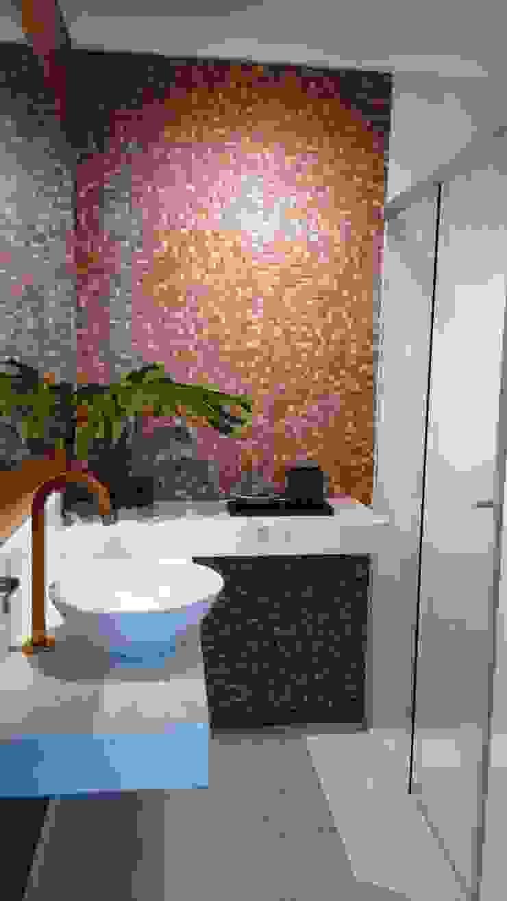 Banheiro pronto após reforma por Lúcia Vale Interiores