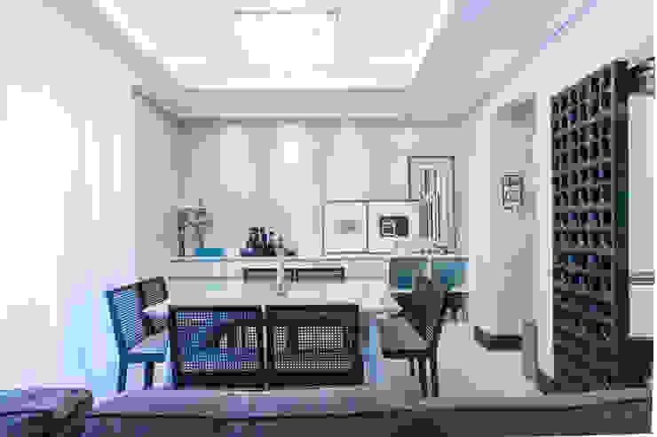 03_Projeto de Interiores Salas de jantar modernas por Paula Carvalho Arquitetura Moderno