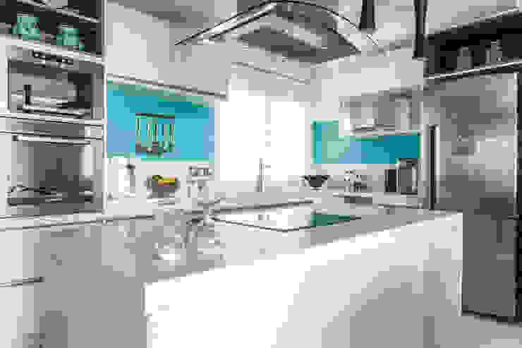 03_Projeto de Interiores Cozinhas modernas por Paula Carvalho Arquitetura Moderno