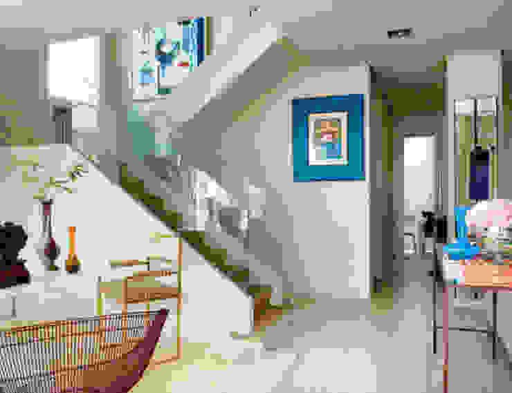 Modern familiar duplex Salones de estilo ecléctico de Estudio de Arquitectura Teresa Sapey Ecléctico