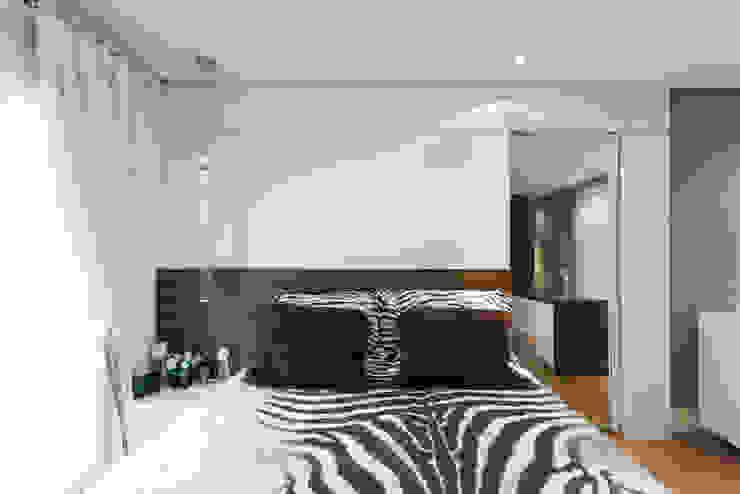 04_Projeto de Interiores Quartos modernos por Paula Carvalho Arquitetura Moderno