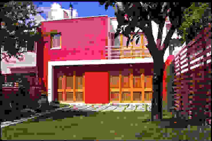 Fachada tardoz Borges de Macedo, Arquitectura. Casas modernas