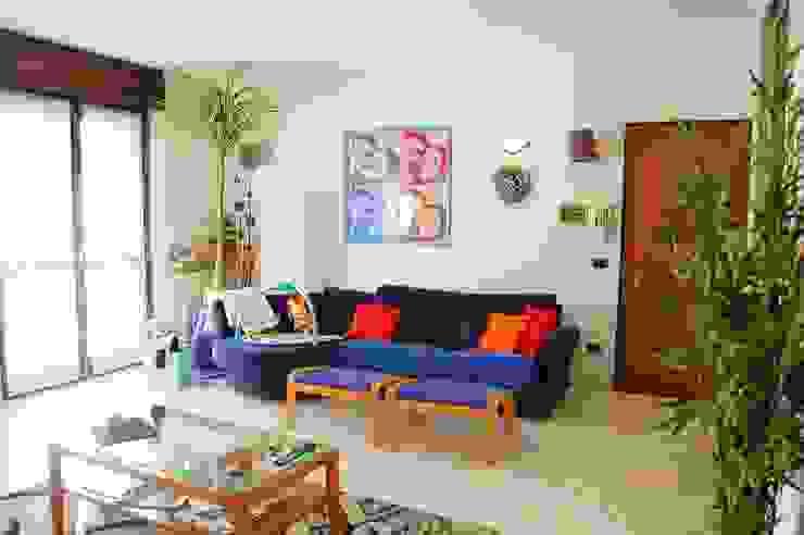 Modern Living Room by ATELEON Modern