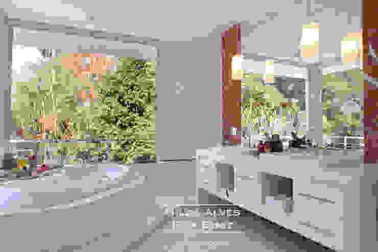 Banheiro Casal Banheiros modernos por Nilza Alves e Rita Diniz Moderno