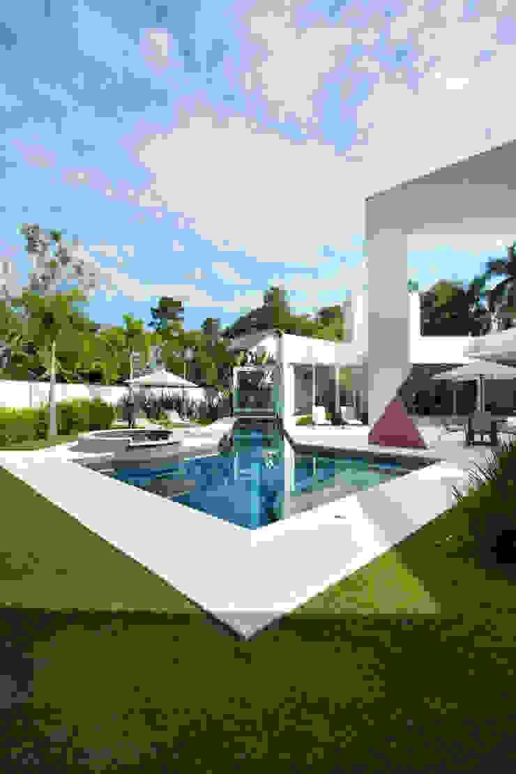 Jardines de estilo moderno de Marcia Joly Paisagismo Moderno