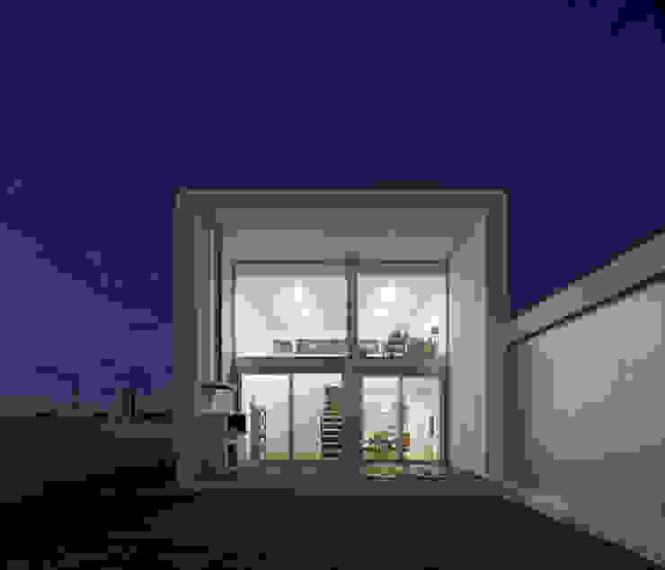 Casa em Aradas – Aveiro Casas modernas por RVDM, Arquitectos Lda Moderno
