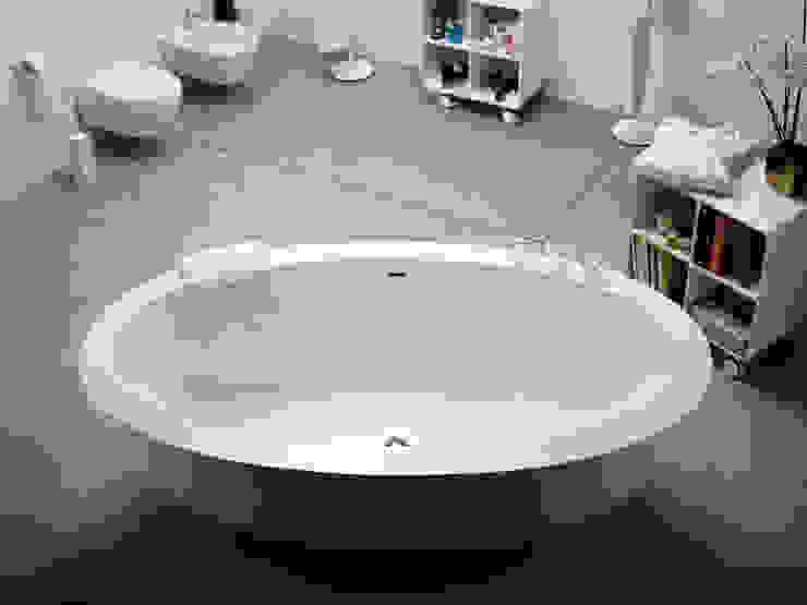 MOMON resin bathtub di Lineabeta Minimalista Sintetico Marrone