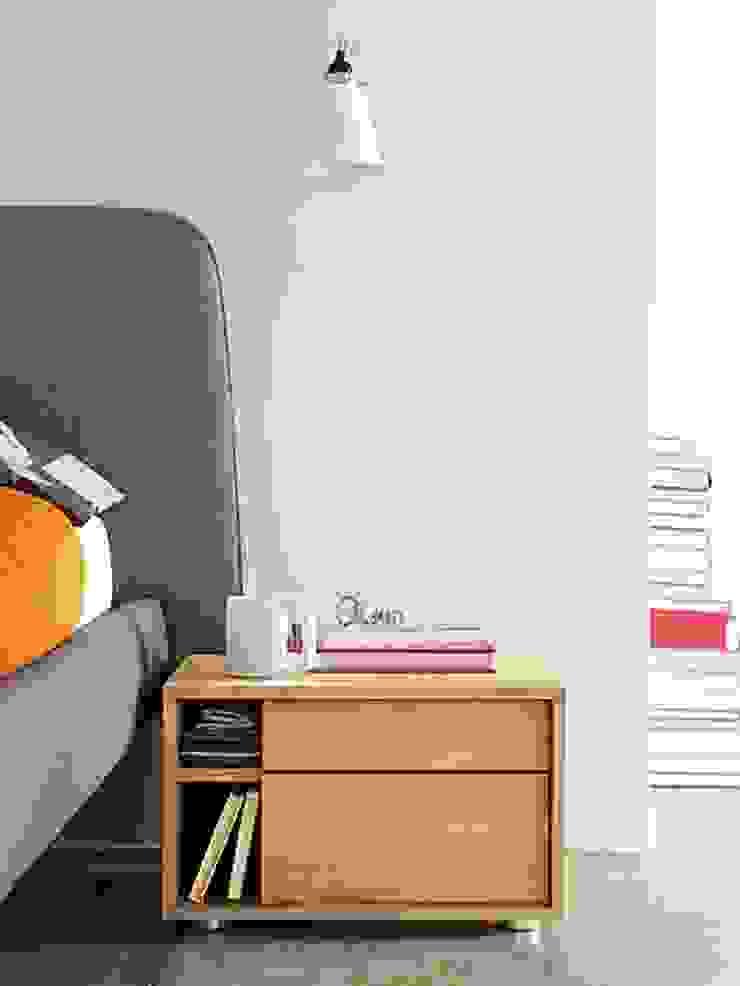 Parallel Bedside Table de Design Within Reach Mexico Moderno Madera Acabado en madera