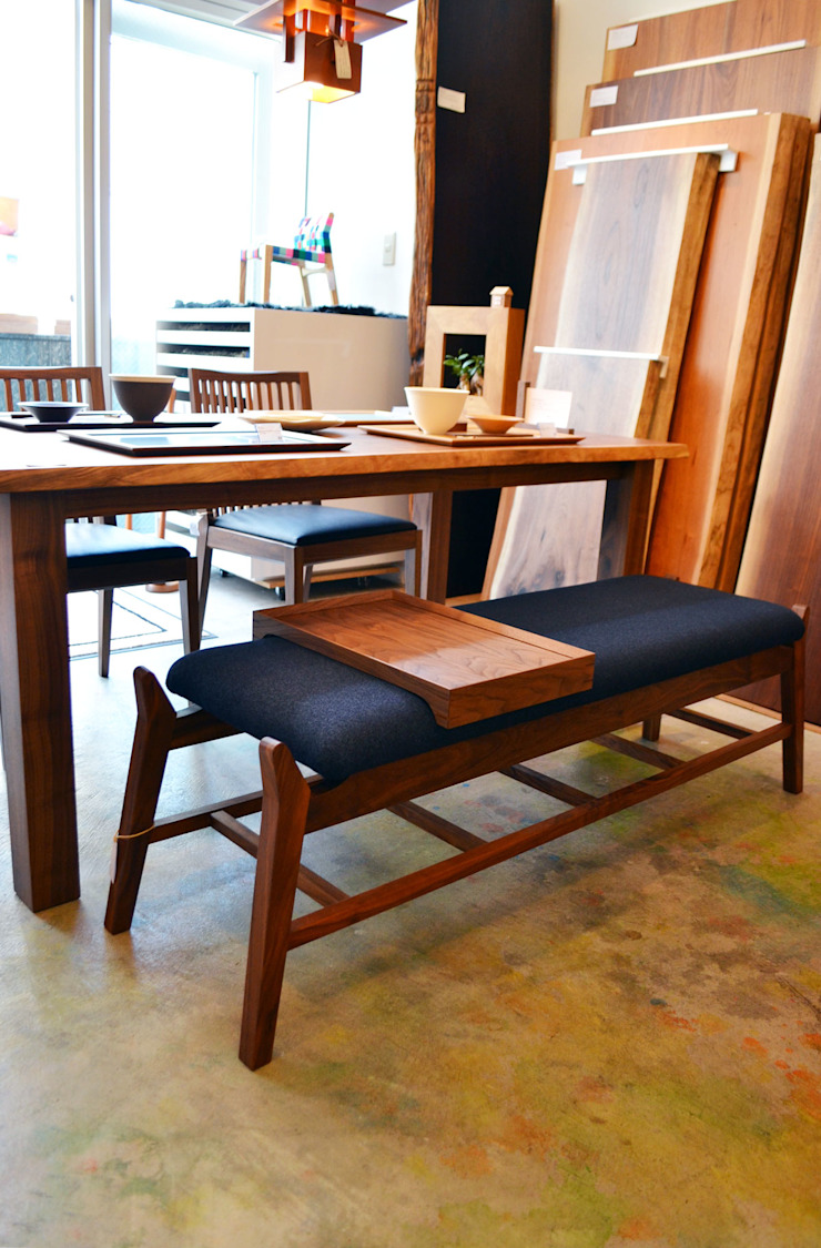 modern  by 株式会社 3rd, Modern Solid Wood Multicolored