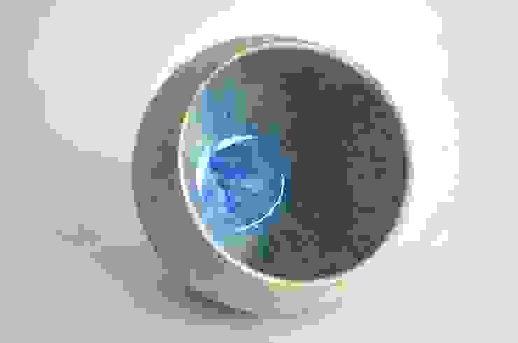 青い赤い器: Yusuke Hatakeyamaが手掛けた折衷的なです。,オリジナル