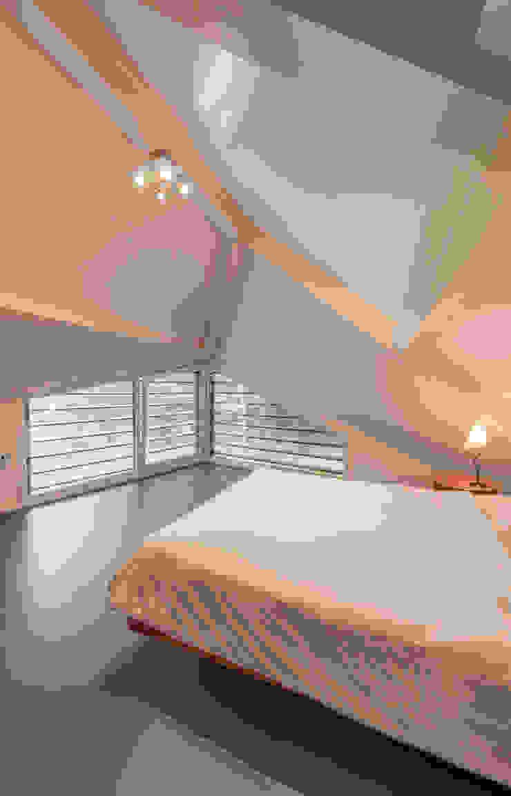 WOONHUIS HOLTEN Moderne slaapkamers van Maas Architecten Modern