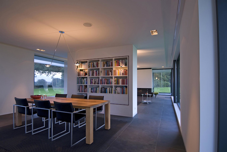 Dining room by Maas Architecten, Modern