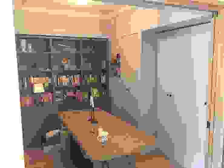 オーダー家具: Wall Design Office HapyWalが手掛けた折衷的なです。,オリジナル 木 木目調