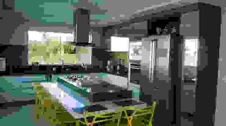 Kubota & Backes Cocinas de estilo moderno