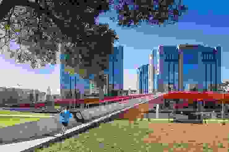 Ponte Pedonal e Ciclável sobre a 2ª Circular por MXTstudio