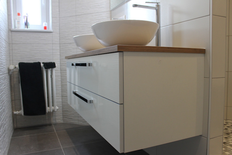 salle de bain à STRASBOURG Salle de bain moderne par Agence ADI-HOME Moderne