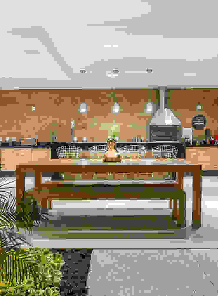 Espaço gourmet Varandas, alpendres e terraços modernos por Adriana Leal Interiores Moderno Madeira Efeito de madeira