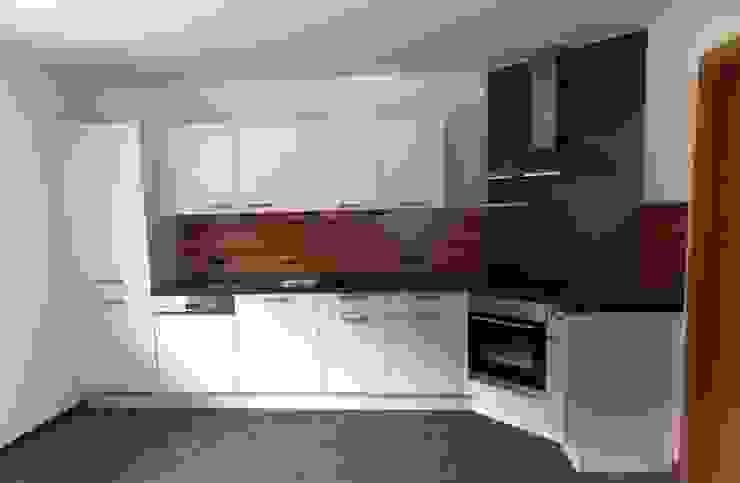 Küche für Mietwohnung 1 Moderne Küchen von Küchenklick Modern