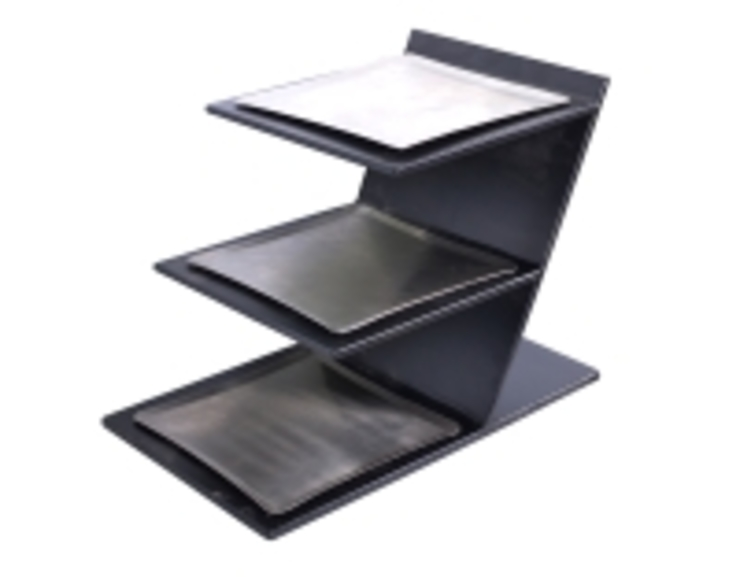 Triple Riser Modern dining room by Designmint Modern Iron/Steel