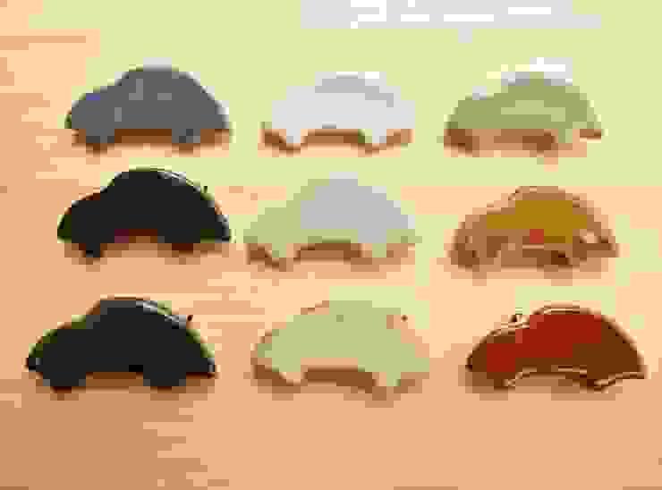 車の陶ブローチ: 中岡陶房工芸が手掛けたアジア人です。,和風 陶器