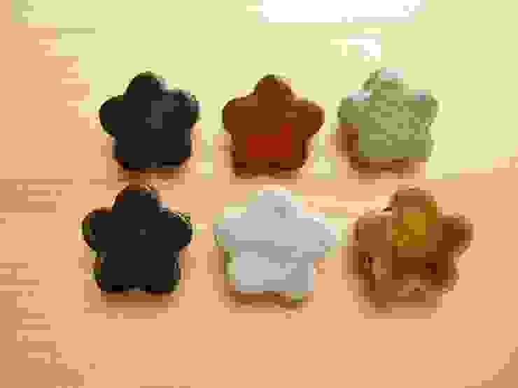 お花の陶ブローチ: 中岡陶房工芸が手掛けたアジア人です。,和風 陶器