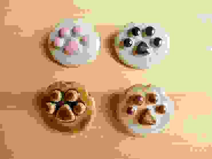 猫ちゃん肉球の陶ブローチ: 中岡陶房工芸が手掛けたアジア人です。,和風 陶器