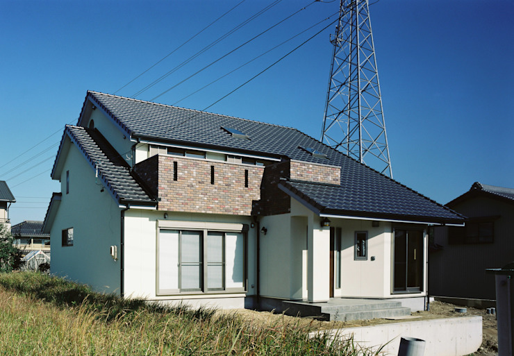 Modern houses by 小栗建築設計室 Modern