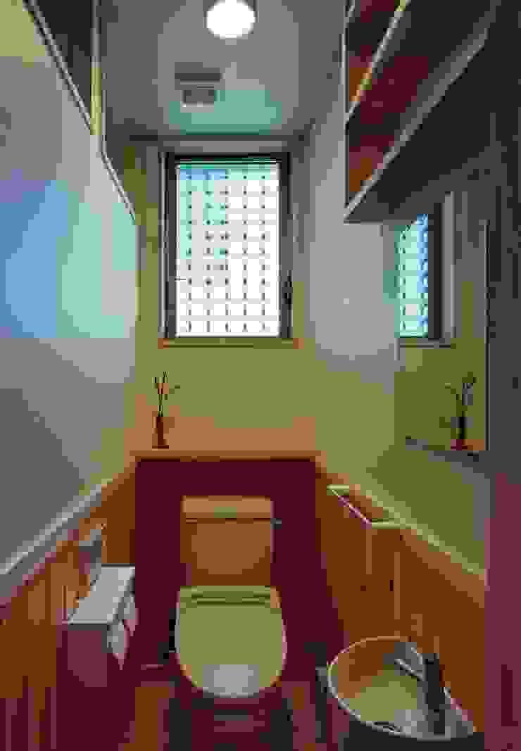 トイレ 小栗建築設計室 モダンスタイルの お風呂
