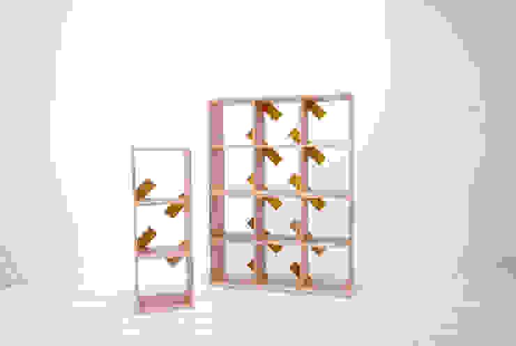 shelf unit: 暮らすひと暮らすところが手掛けたリビングルームです。