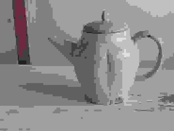 粉引きポット: くるり窯が手掛けた折衷的なです。,オリジナル 陶器