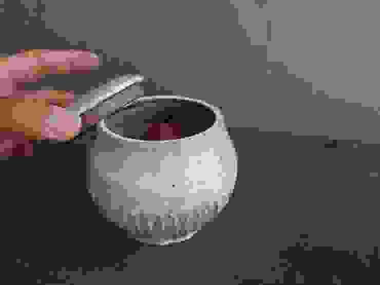 粉引き蓋もの: くるり窯が手掛けた折衷的なです。,オリジナル 陶器
