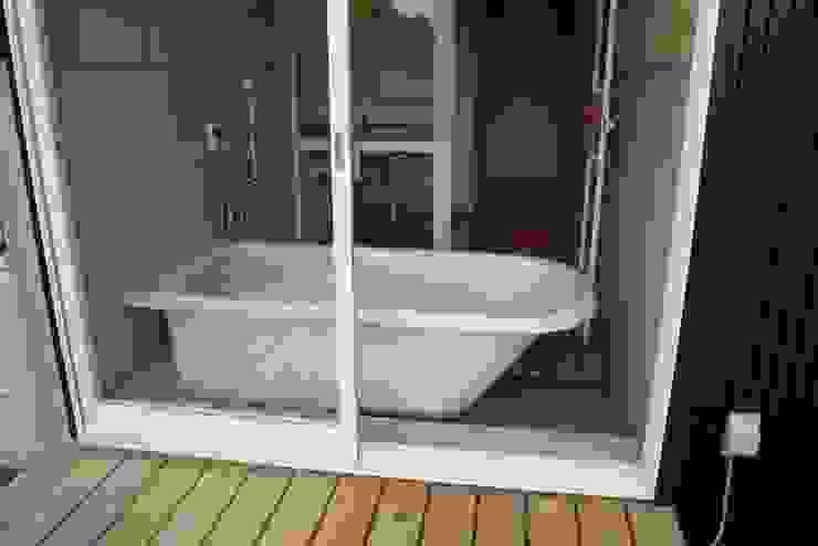 神奈川県鎌倉市 大町の家 オリジナルスタイルの お風呂 の Gen Design Factory オリジナル