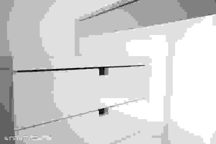 MinBai Office spaces & stores Wood White