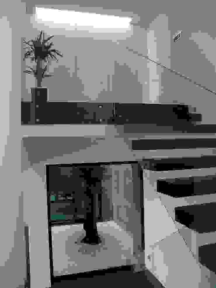 Hall Corredores, halls e escadas modernos por Miguel Zarcos Palma Moderno