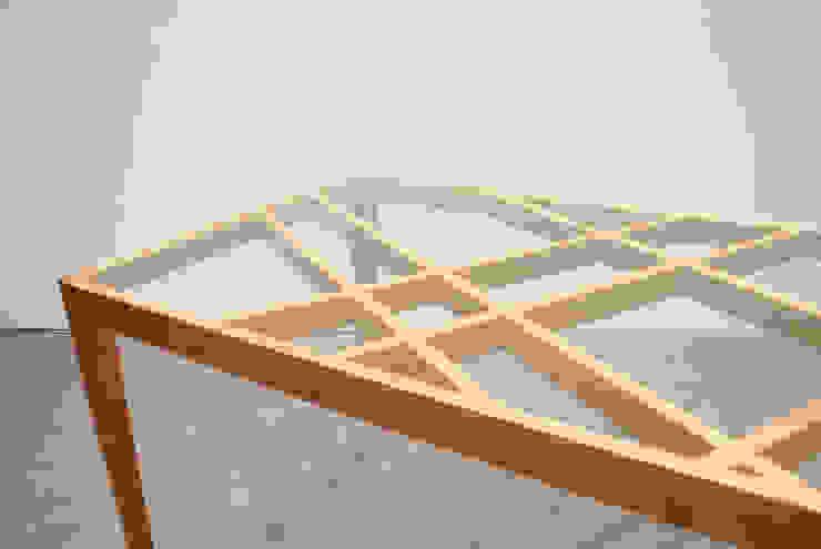 Slash table8: iei studioが手掛けた折衷的なです。,オリジナル 木 木目調