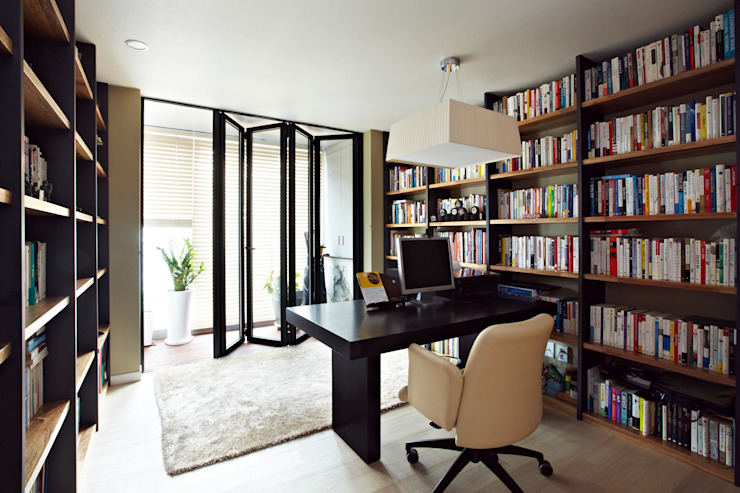 Modern Study Room and Home Office by housetherapy Modern