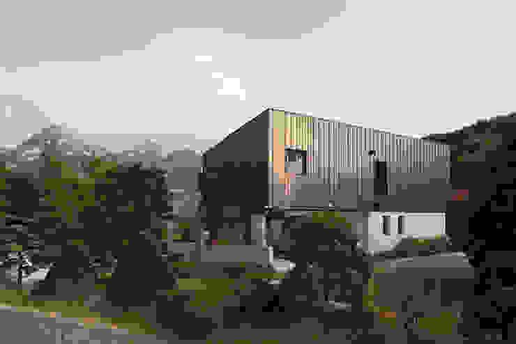 Modern home by designband YOAP Modern