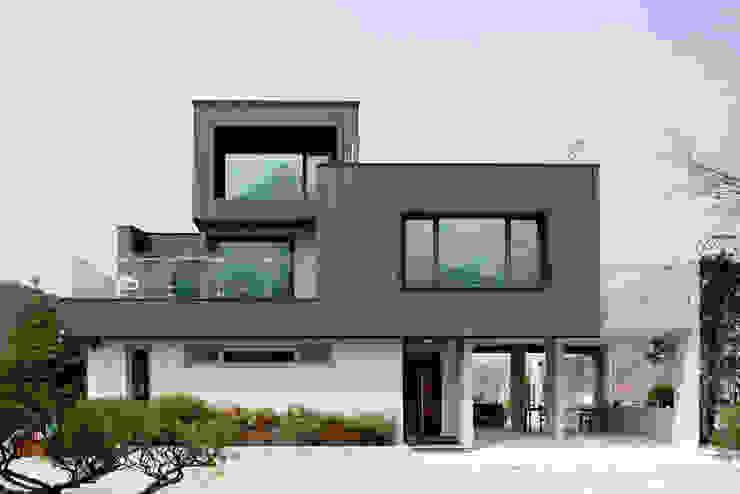 Bukhansan Dulegil house: designband YOAP의  주택,모던