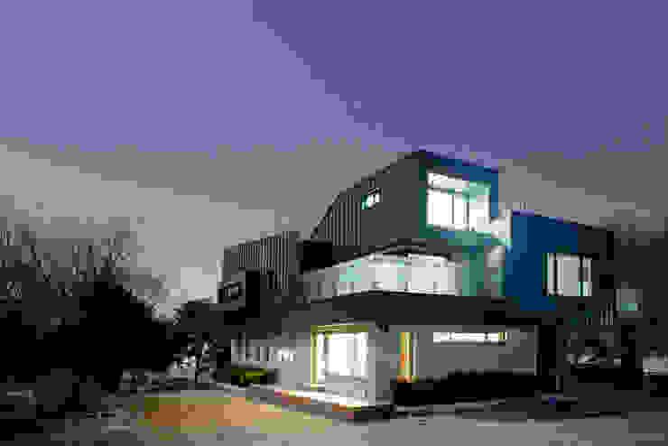 Nowoczesne domy od designband YOAP Nowoczesny