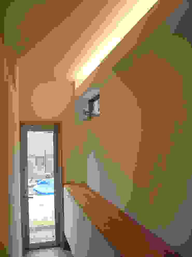 喜連の家 Ⅱ モダンデザインの 多目的室 の 株式会社 atelier waon モダン