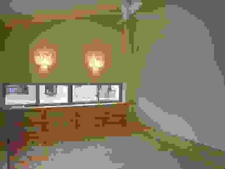 喜連の家 Ⅱ モダンスタイルの寝室 の 株式会社 atelier waon モダン