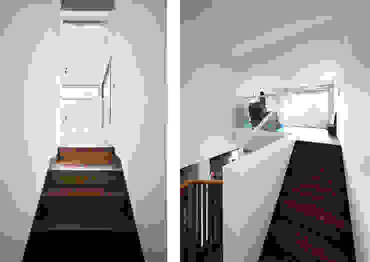 ห้องโถงทางเดินและบันไดสมัยใหม่ โดย designband YOAP โมเดิร์น