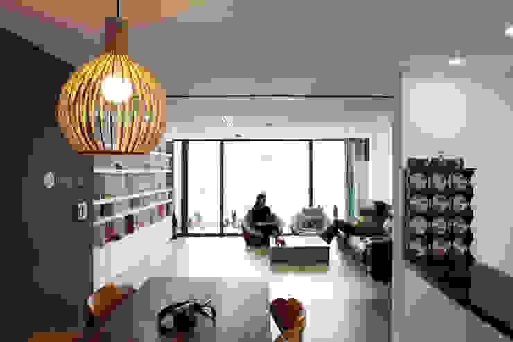Soggiorno moderno di designband YOAP Moderno