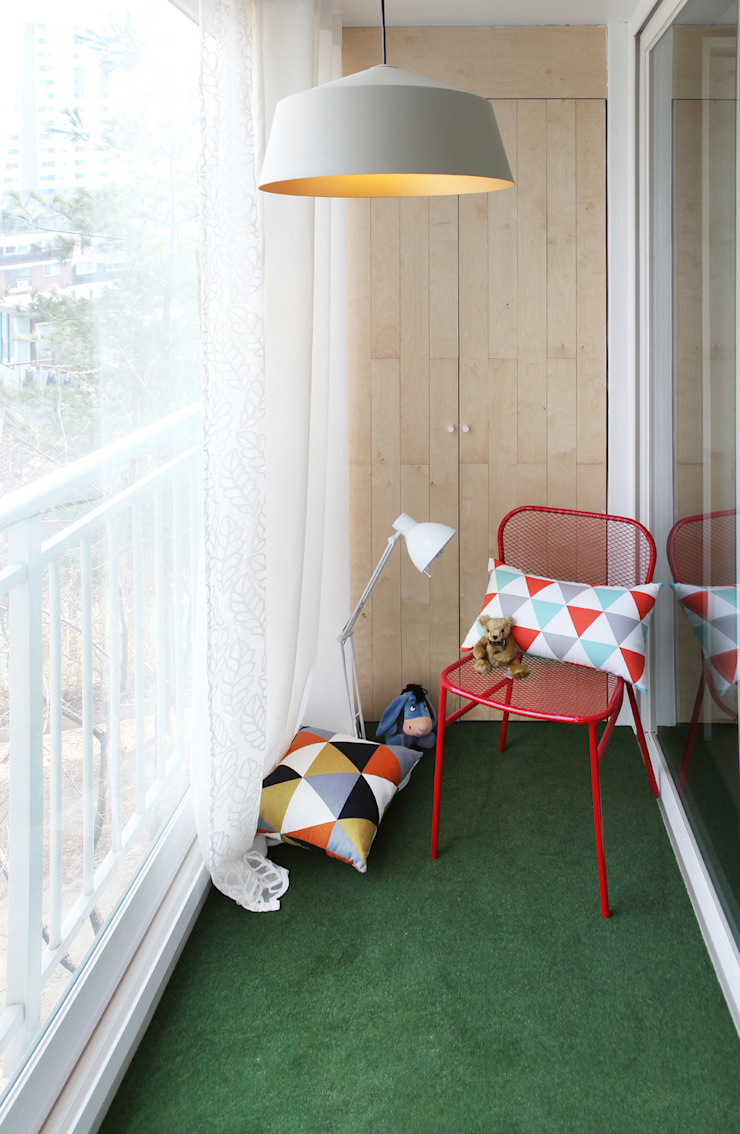 Hongeun-dong apartment unit remodeling 모던스타일 발코니, 베란다 & 테라스 by designband YOAP 모던