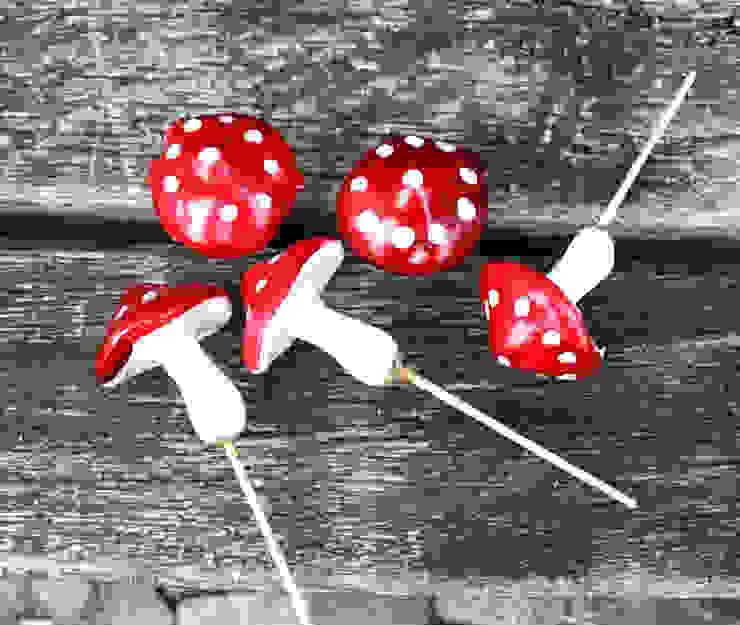 5x Fliegenpilze/ Glückspilze STECKER Pilze Herbst, Weihnachten, Silvester von homify Landhaus