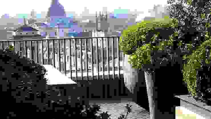 Penthouse Garden Terrace London, Knightsbridge Nowoczesny ogród od Decorum . London Nowoczesny Drewno O efekcie drewna