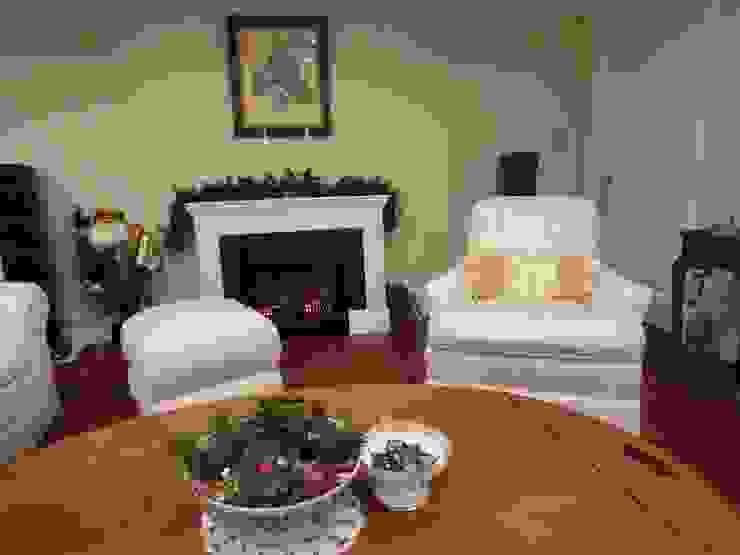 Arm sofa &Ottoman Reuphplsered: (株)工房スタンリーズが手掛けたクラシックです。,クラシック 合成繊維 ブラウン