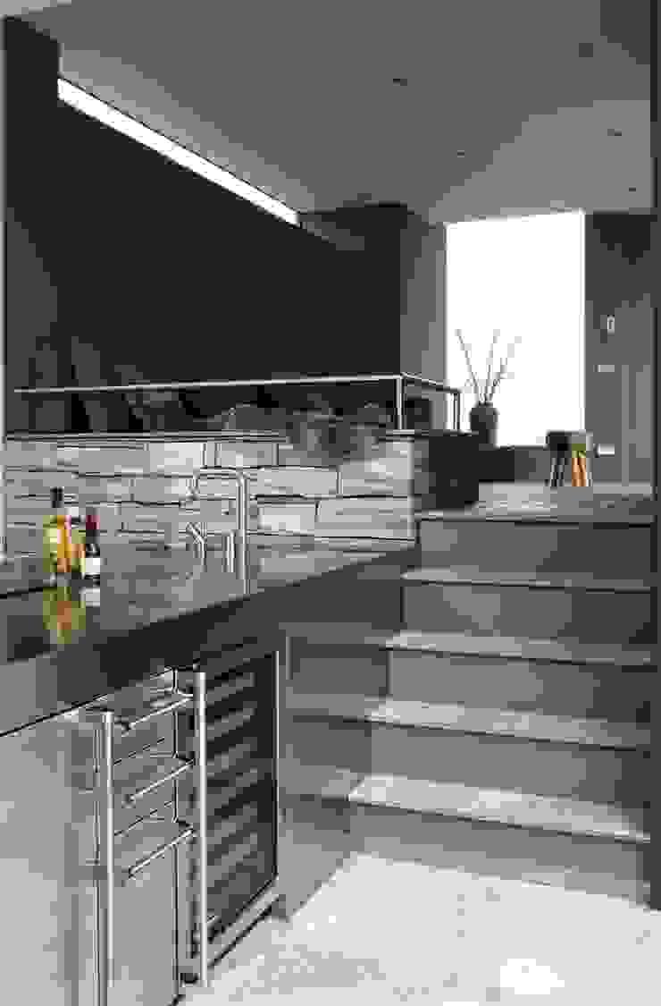 Poolhouse in graniet Arend Groenewegen Architect BNA Moderne keukens Graniet Grijs