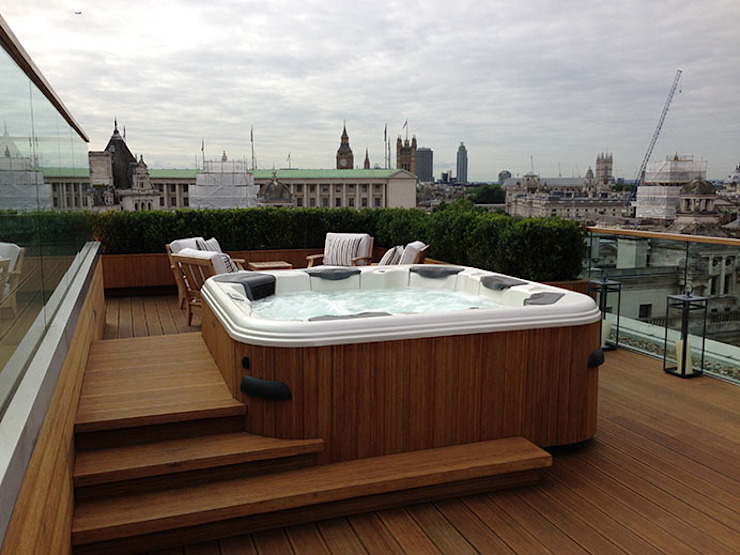 Garden roof-top design and build London by Decorum . London Modern Solid Wood Multicolored