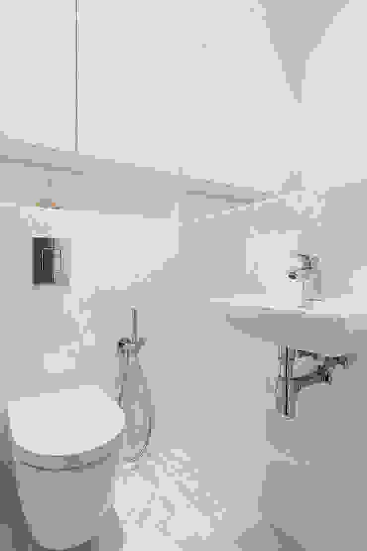 mieszkanie Ursynów, Warszawa Nowoczesna łazienka od Kameleon - Kreatywne Studio Projektowania Wnętrz Nowoczesny